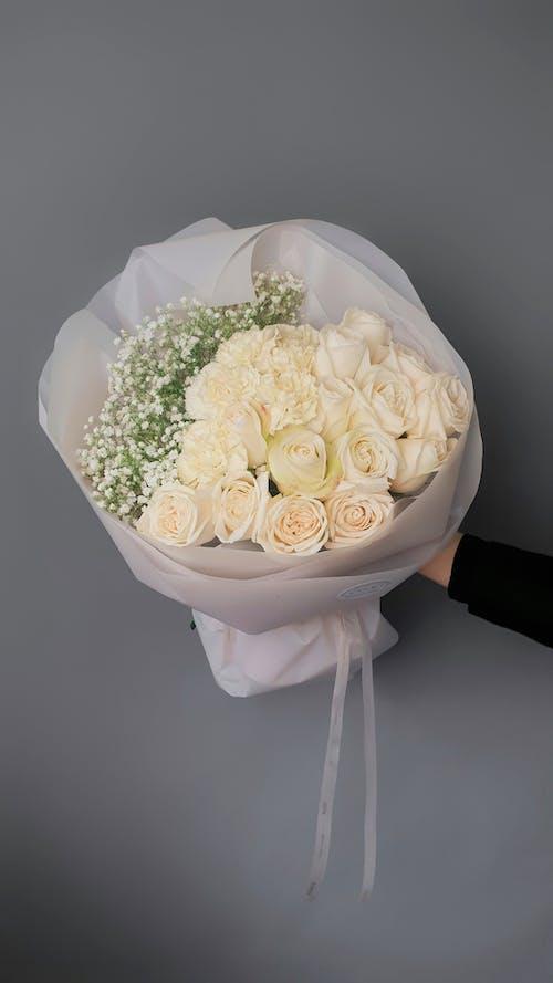 Foto stok gratis buket bunga, bunga-bunga, dalam ruangan