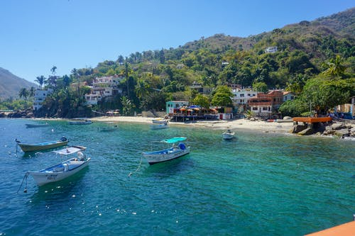 deniz kenarı, evler, gemiler, köy içeren Ücretsiz stok fotoğraf