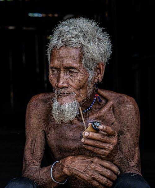 Fotos de stock gratuitas de adentro, anciano, arrugas
