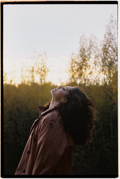 Základová fotografie zdarma na téma holka, jedna osoba, na výšku