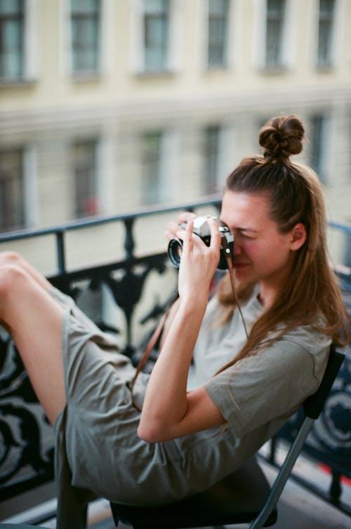 Kostenloses Stock Foto zu draußen, erwachsener, frau