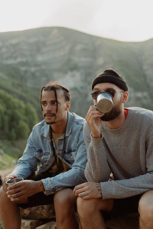 Бесплатное стоковое фото с два человека, кавказ, мужчина