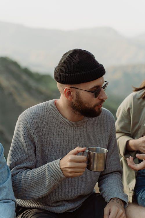 Бесплатное стоковое фото с Бородатый, кавказ, кружка
