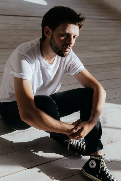 갈색 머리, 남자, 내리막 길의 무료 스톡 사진