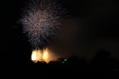 คลังภาพถ่ายฟรี ของ hogmanay, กลางคืน, การระเบิด, งานเทศกาล