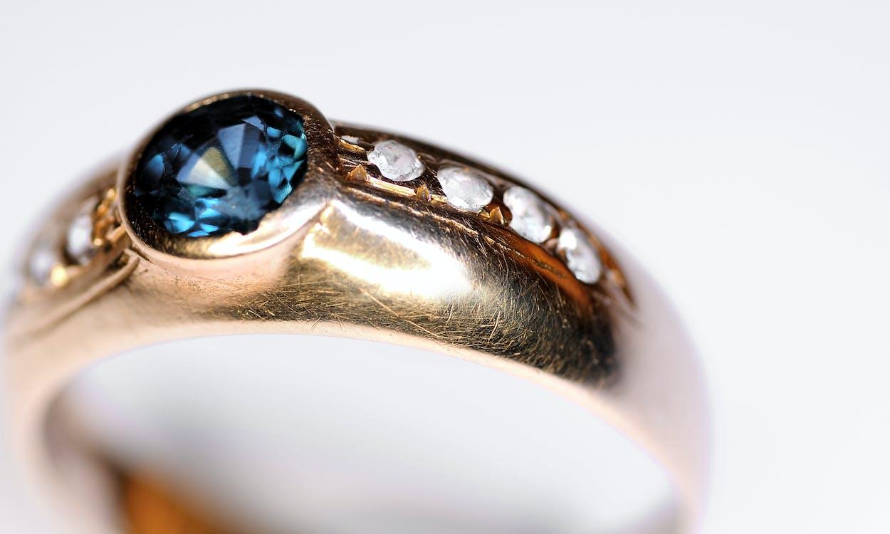 παλιό δαχτυλίδι sapphire & diamond