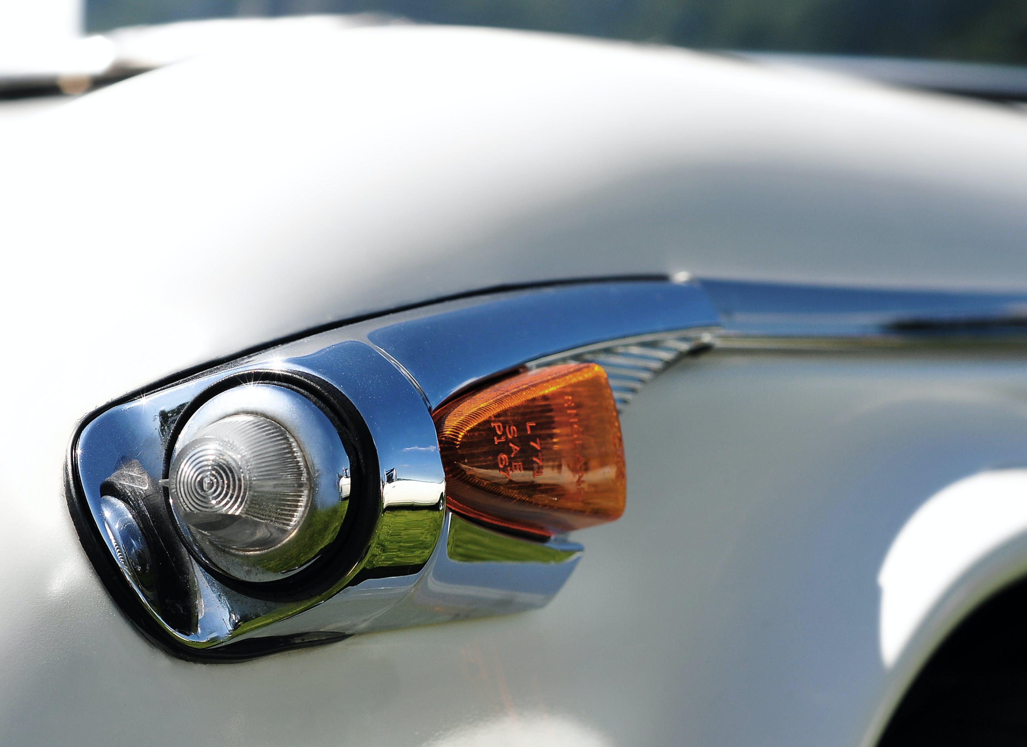 Free stock photo of classic car, detail, indicator light, Triumph TR5