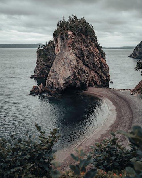 Darmowe zdjęcie z galerii z formacja, horizon over land, las