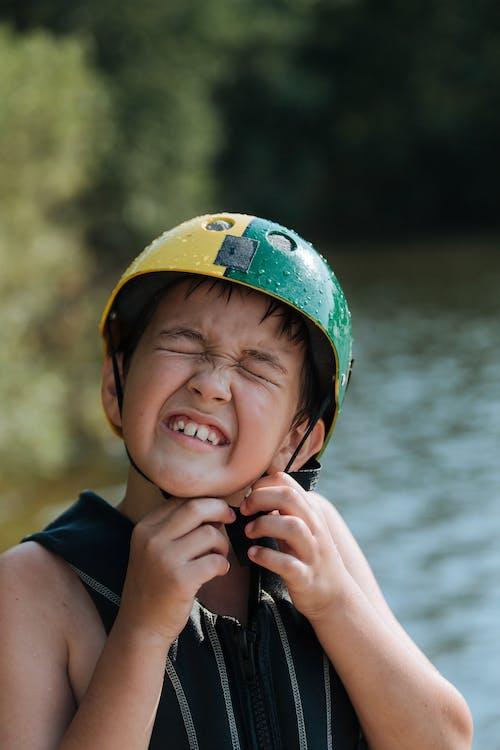 Ilmainen kuvapankkikuva tunnisteilla järvenranta, järvi, kypärä