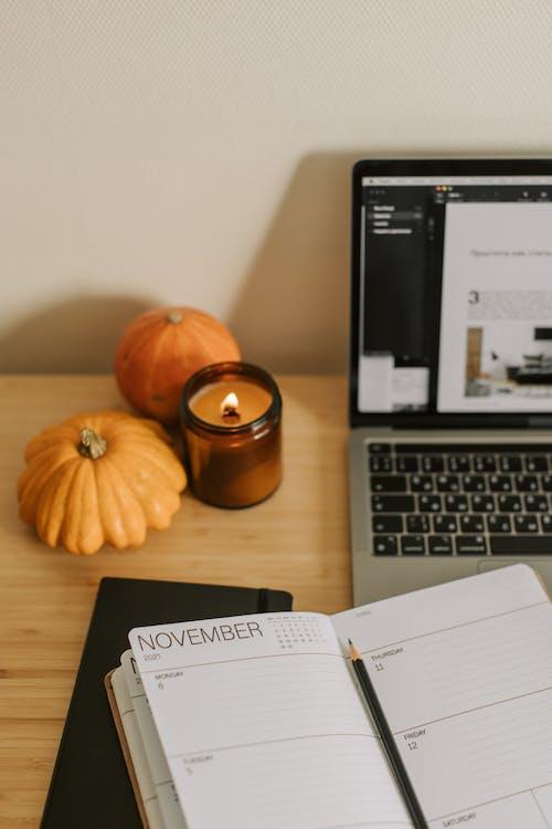 Безкоштовне стокове фото на тему «apple, atmosfera de outono, бізнес»