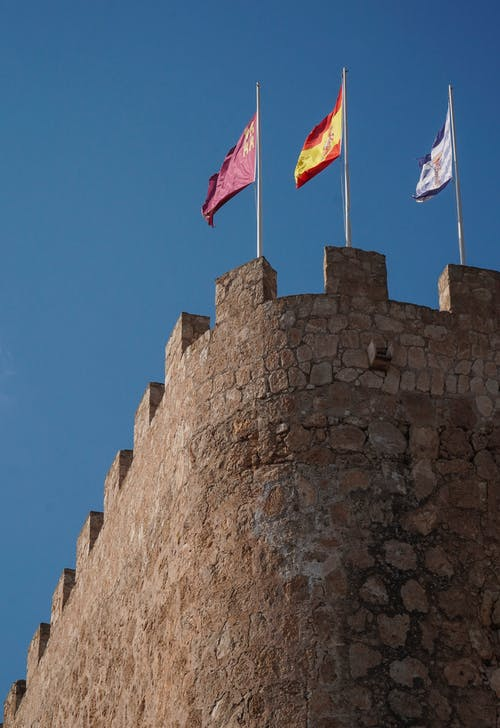 Free stock photo of castle, defence, flags