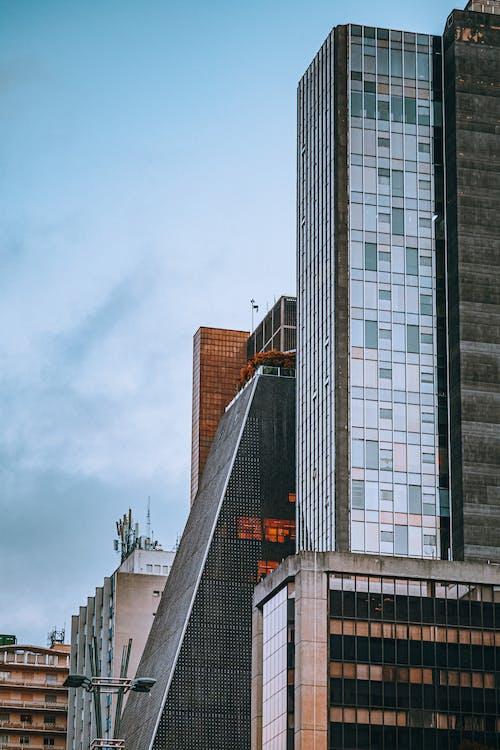 Foto stok gratis Arsitektur, awan, bangunan