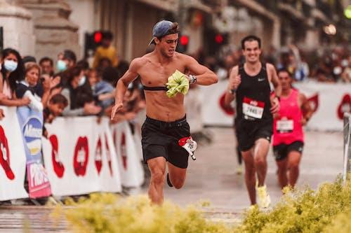 Základová fotografie zdarma na téma akční energie, běžec, běžecký závod