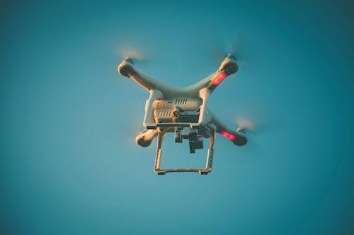 Darmowe zdjęcie z galerii z akcja, dji, dron, latanie