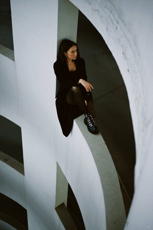 Darmowe zdjęcie z galerii z beton, biały, czarny