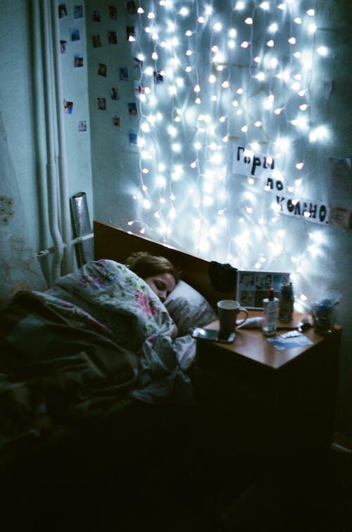 คลังภาพถ่ายฟรี ของ nightstand, ชีวิตในบ้าน, ตกแต่งภายในบ้าน