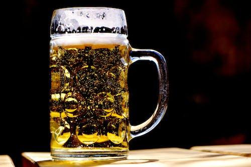 Základová fotografie zdarma na téma ale, alkohol, bar