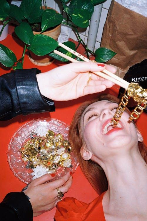 Immagine gratuita di adulto, bacchette, bocca aperta