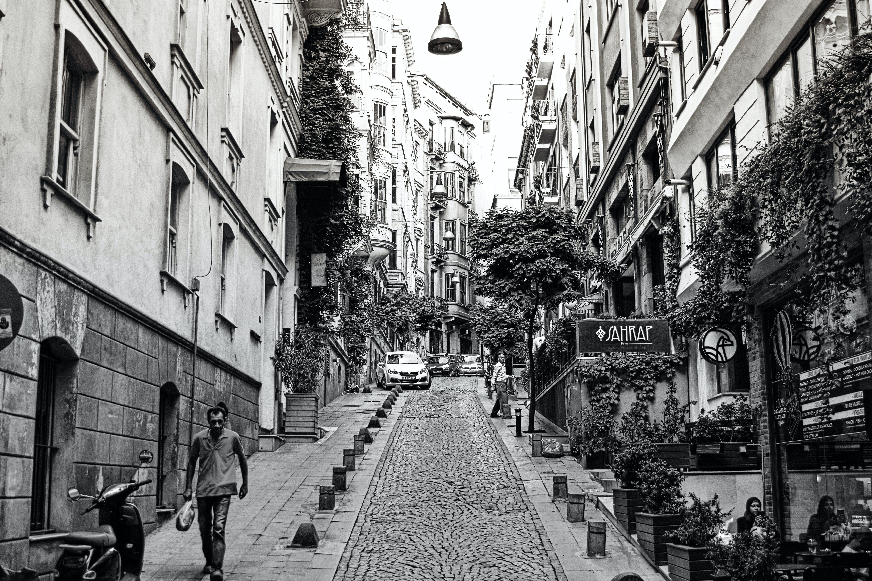 Δωρεάν στοκ φωτογραφιών με Άνθρωποι, αρχιτεκτονική, δρόμος, κτήριο