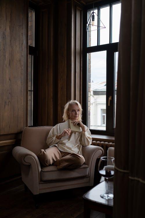 Imagine de stoc gratuită din carte, femeie, fereastră
