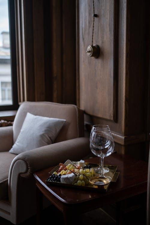 Immagine gratuita di armadio, avvicinamento, bicchiere di vino