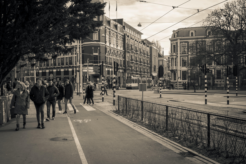 Gratis lagerfoto af bevægelse, folk, fortov, gade