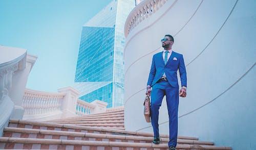 Kostnadsfri bild av affärsman, byggnad, Framgång, gentleman