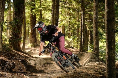 Безкоштовне стокове фото на тему «велосипед, гірський велосипед, дерева»