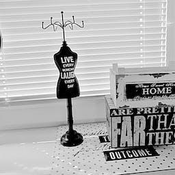 有关房屋外觀 裝飾 黑與白的免费素材图片