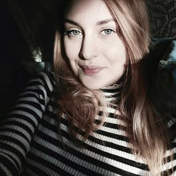 Alexandra  Holbea