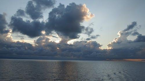 Peaceful Sound Of Ocean Waves