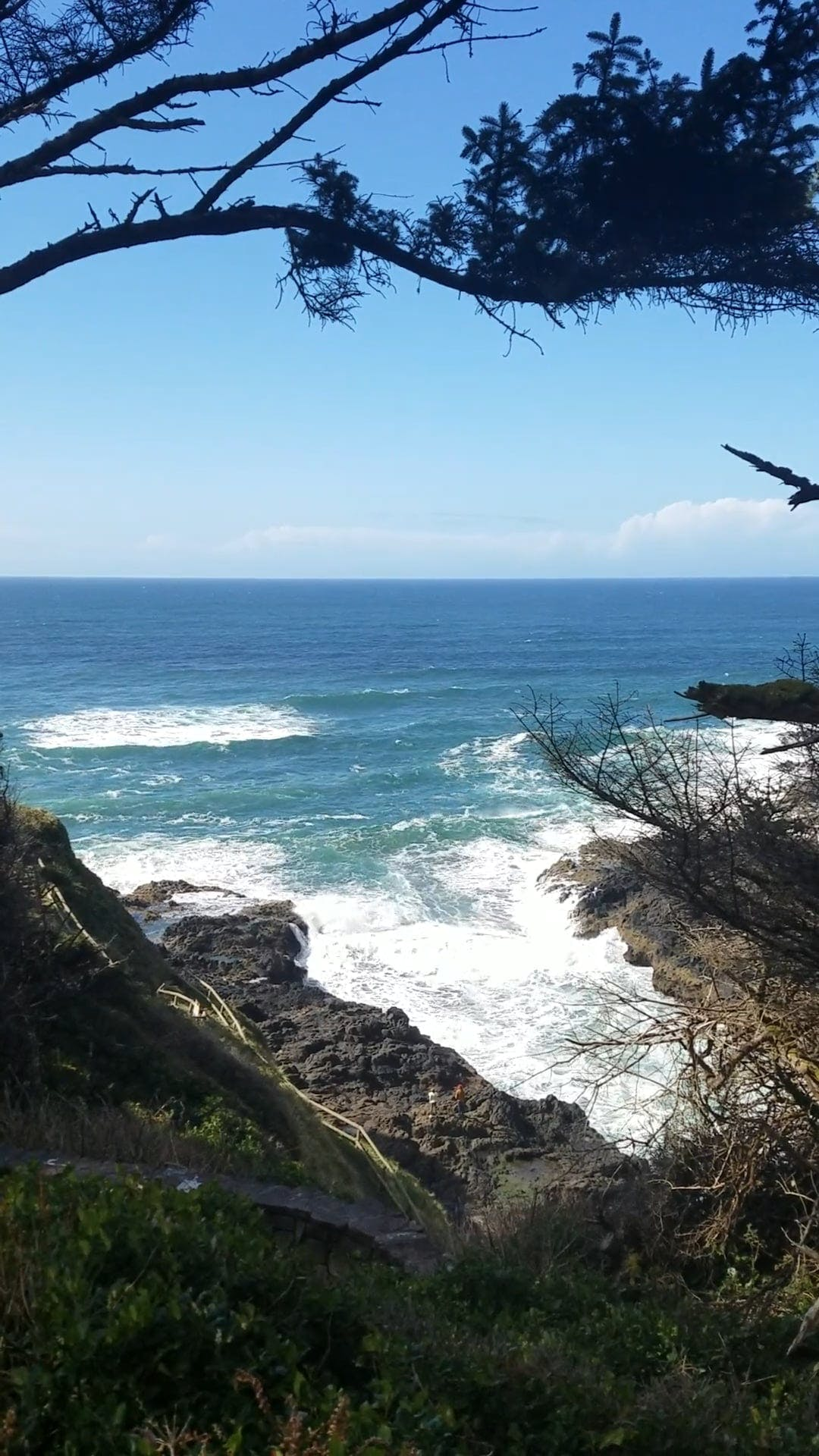 Big Waves Crashing To The Rocks