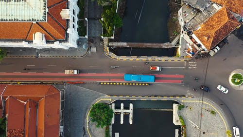 Köprü Ve Nehrin Havadan Görünümü