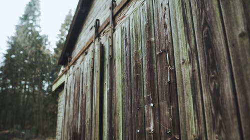 나무로 만든 문