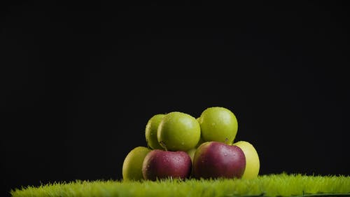 Apples Are Arranged In Layers For Photo Shoot