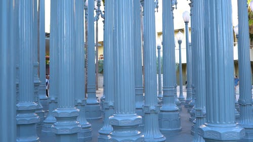 Variety Of Design For Pillars Used As Lamps Post