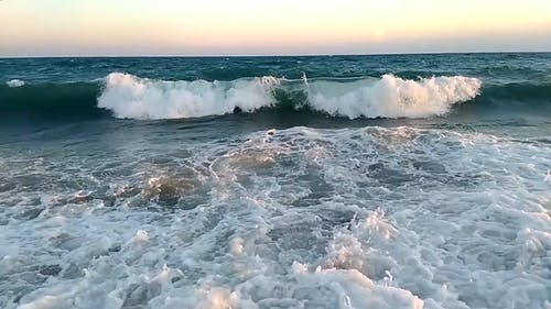 Big Waves Rushing To The Shore