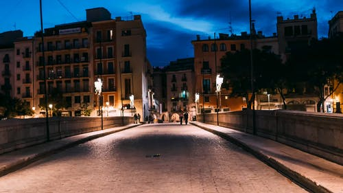 street, concretes, bridge, road, people, walking, light, sundown, cars, buildings, architecture, designs, city, time-lapse, wide angle, shallow focus