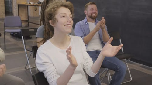 Video Of People Clapping Their Hands