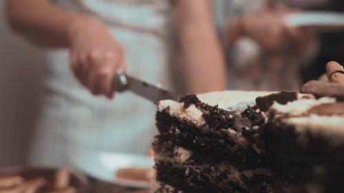 Slicing The Cake In Slow Motion