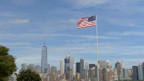 Een Amerikaanse Vlag Zwaait Door De Wind