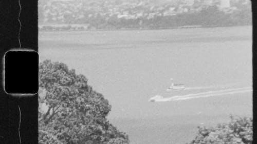 đoạn Phim Cũ Về Thuyền Cao Tốc đi Qua Vịnh Biển