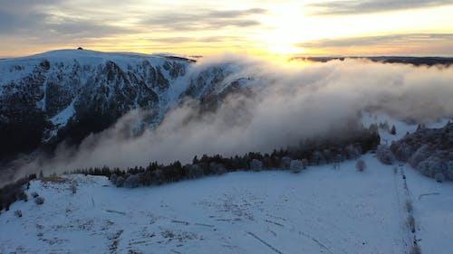 Luftaufnahmen Des Eisigen Berges