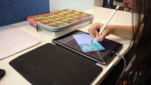 Painting On An Electronic Smart Notepad Using A Stylus Pen