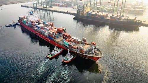 Navios De Contêineres De Carga No Porto