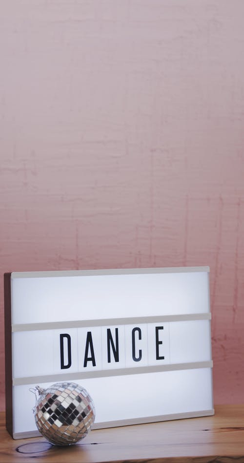 Caixa De Texto Clara Indicando Um Evento De Dança Suportado