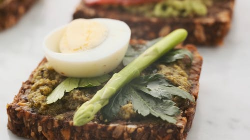 Toast with Egg and Greens