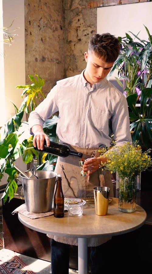 Video Of Man Making Cocktail