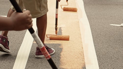 Video Of People Putting Color On Road