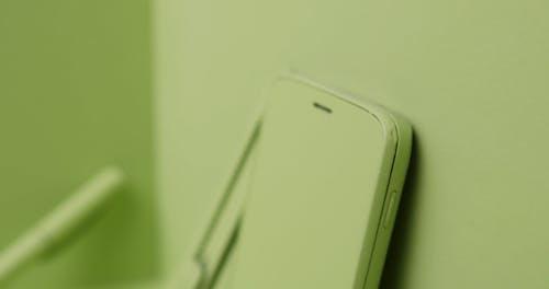 Material De Oficina Pintado En Verde